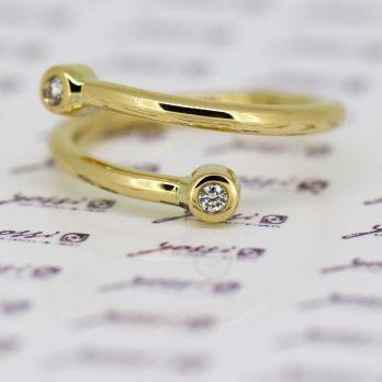 Striking Spiral Diamond Ring