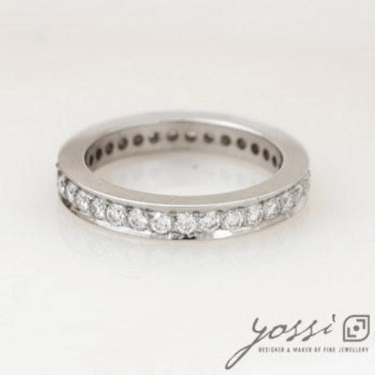 32 Diamonds Eternity Ring 4