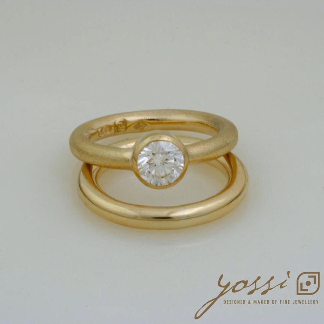 Impressive Gold Natural Texture Diamond Ring 3