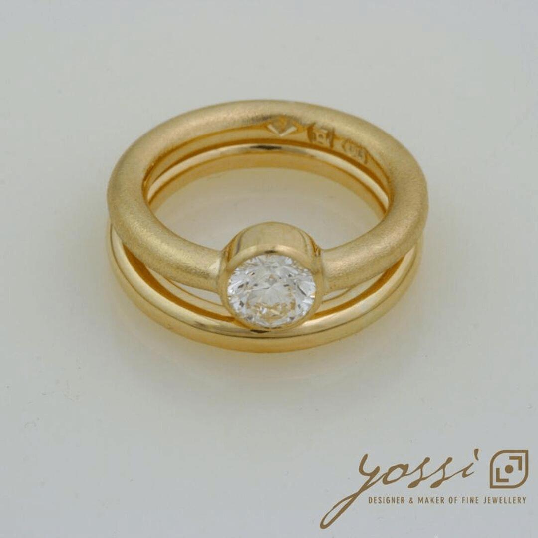 Impressive Gold Natural Texture Diamond Ring 4