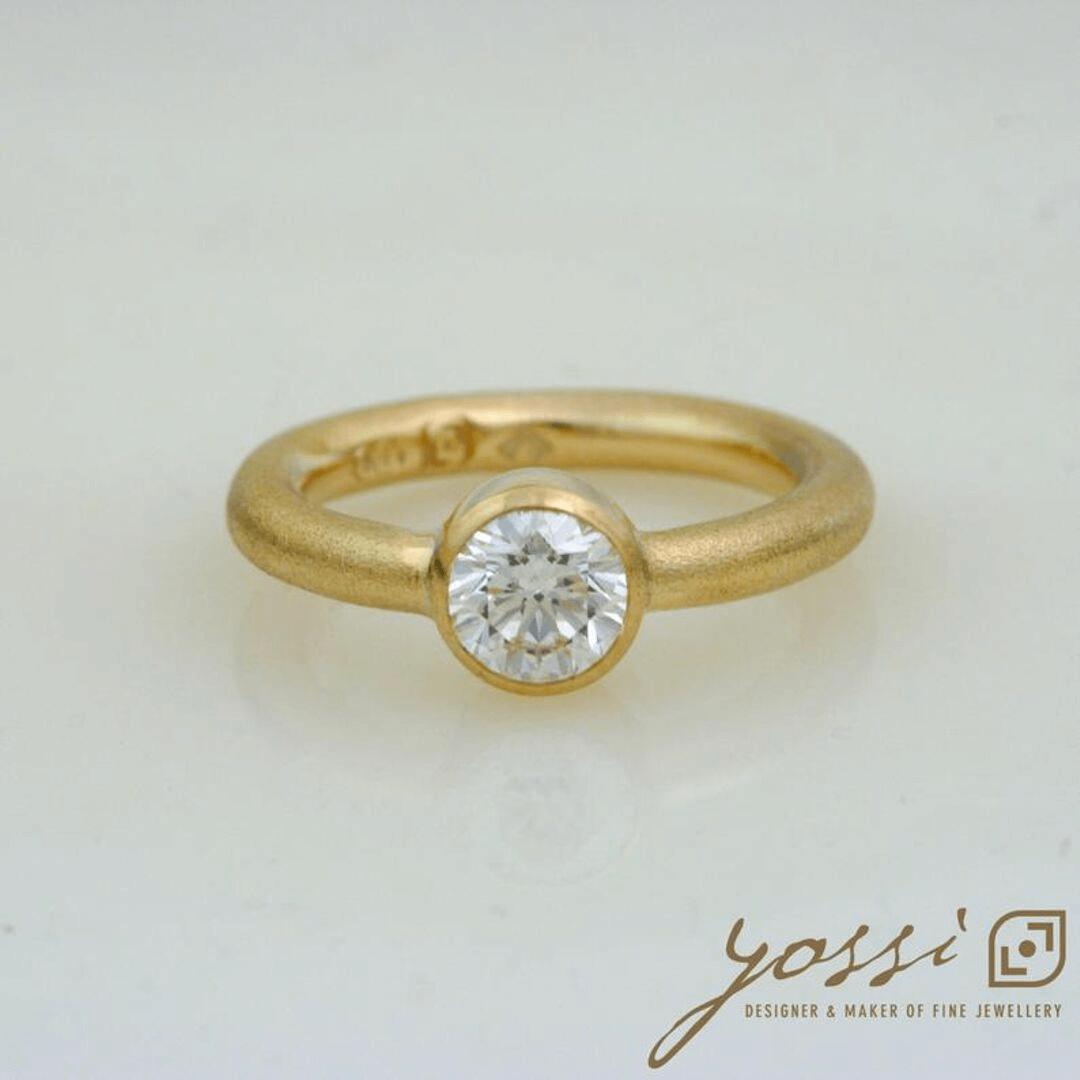 Impressive Gold Natural Texture Diamond Ring 5