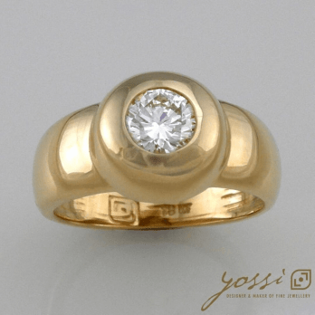 Sensational Solid Gold Diamond Ring