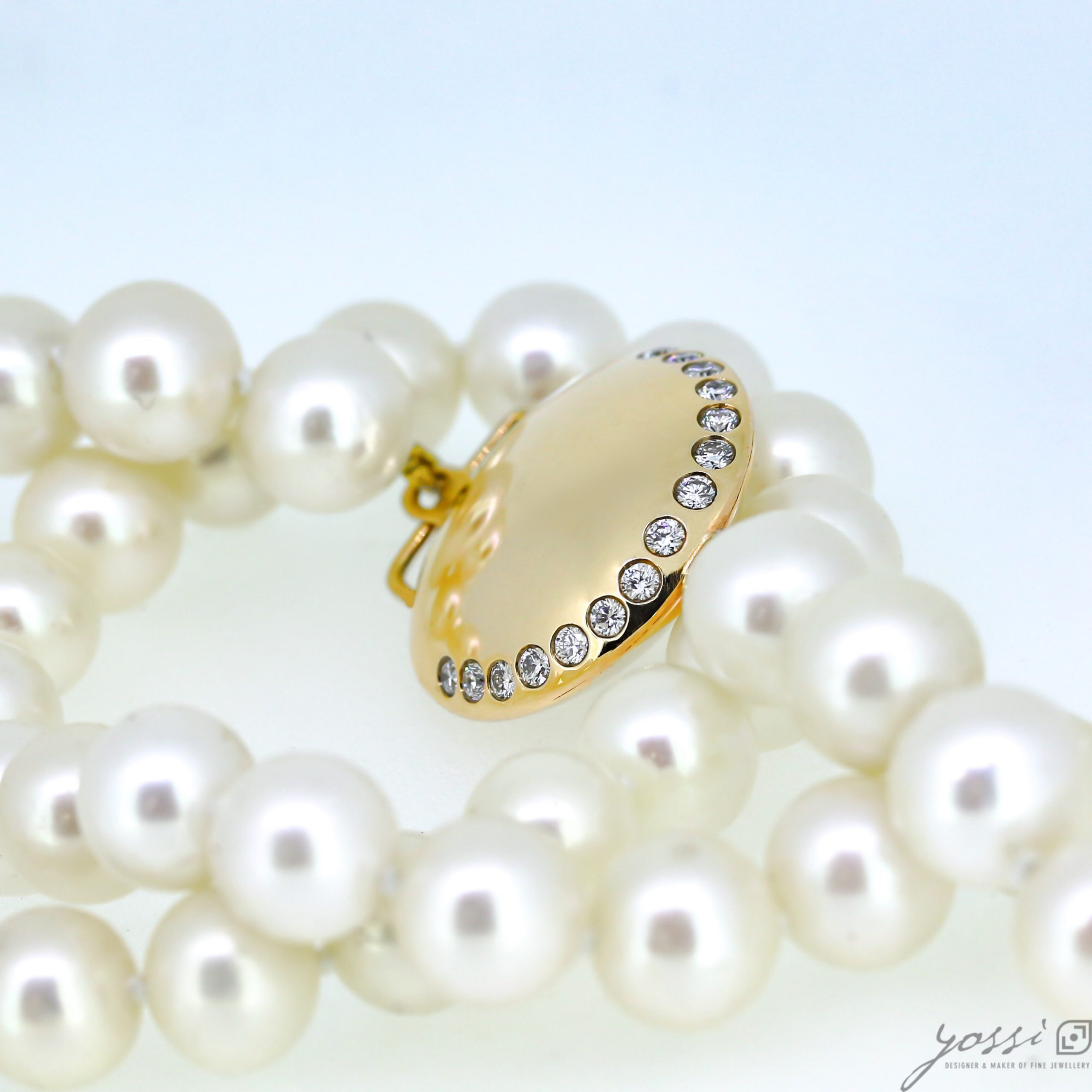 Gracefulness Pearl & Diamond Gold Necklace 5