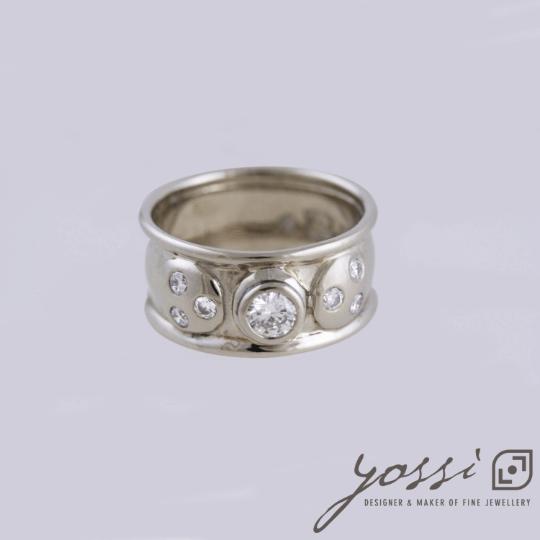 Diamond Bliss Wedding Ring 54