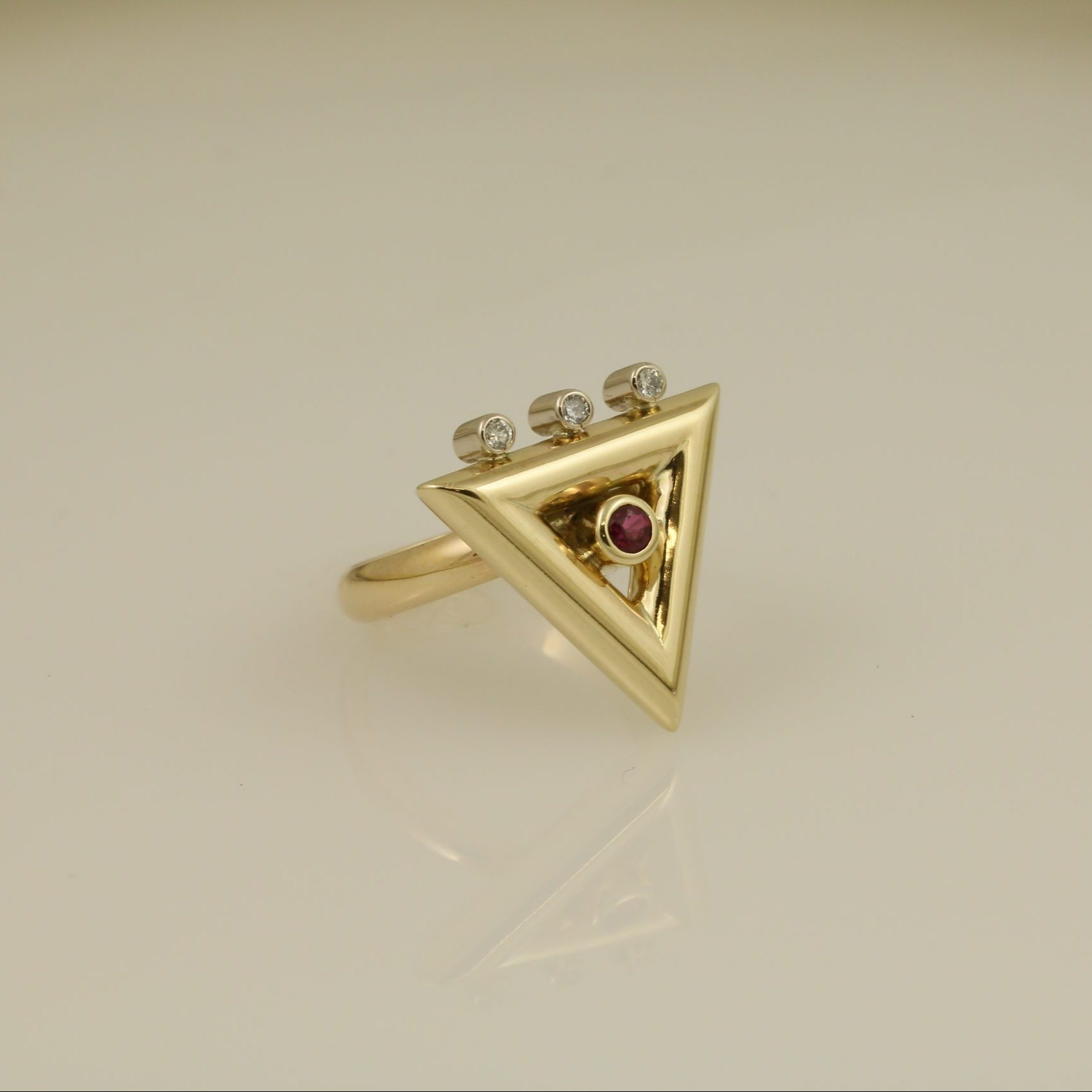 Exquisite Diamond and Ruby Triangle Ring 6