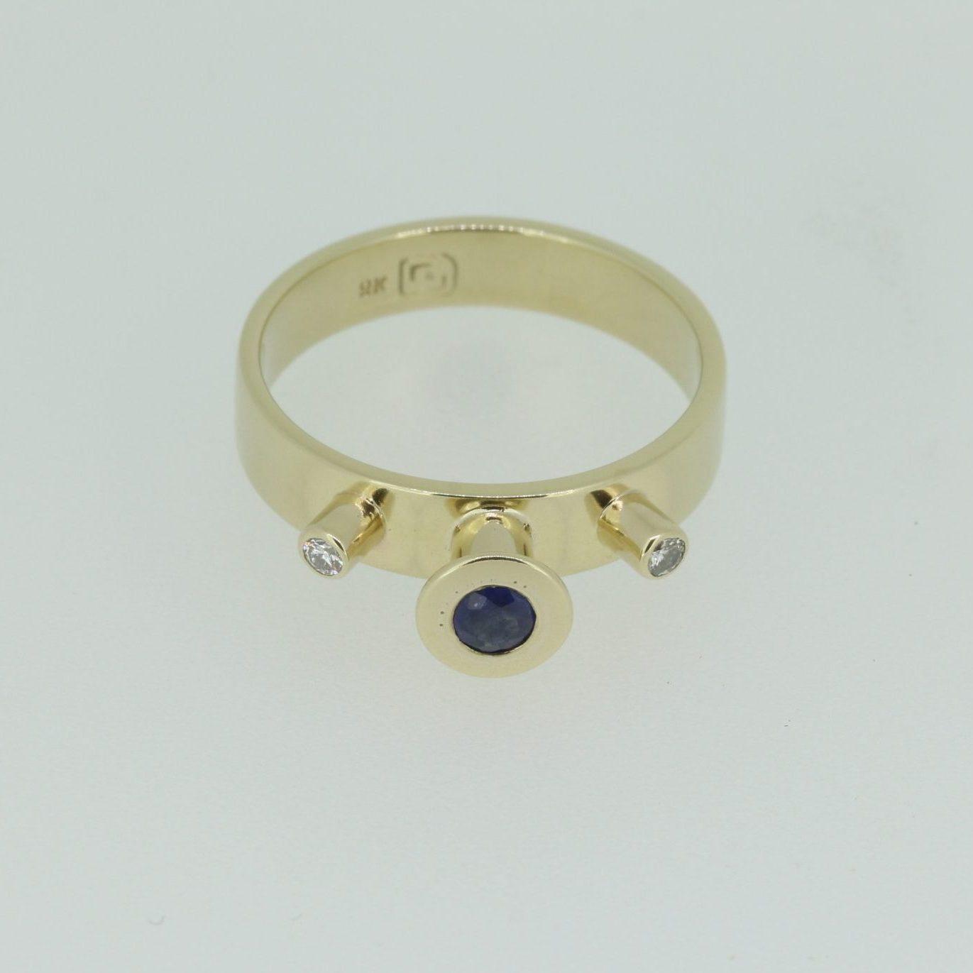 Spellbound Sapphire & Diamond Ring 5