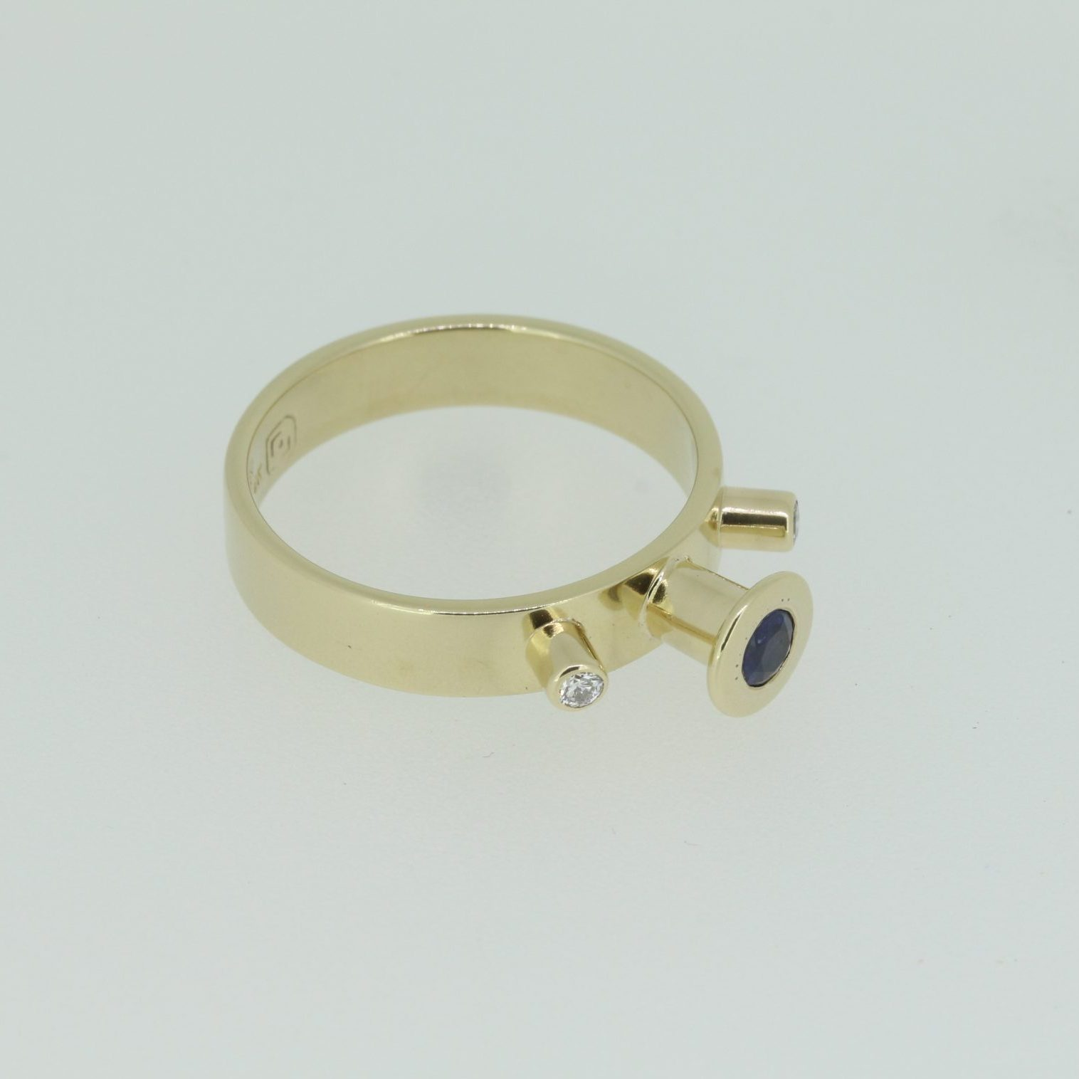 Spellbound Sapphire & Diamond Ring 6