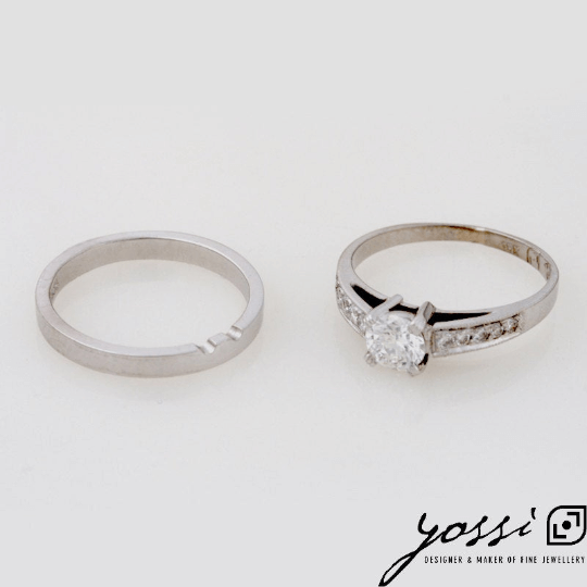 Astonishing Diamond & White Gold Engagement Ring 10