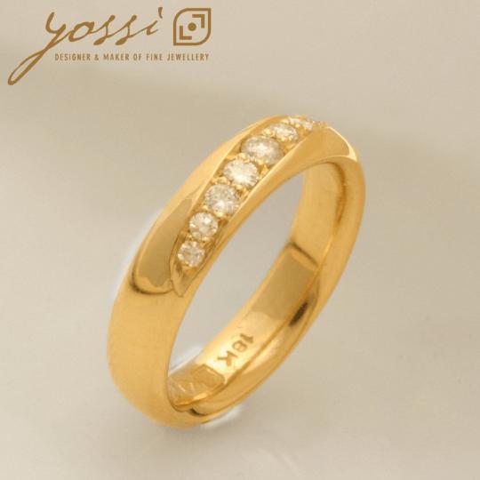 Contemporary Modern Diamond Ring 4