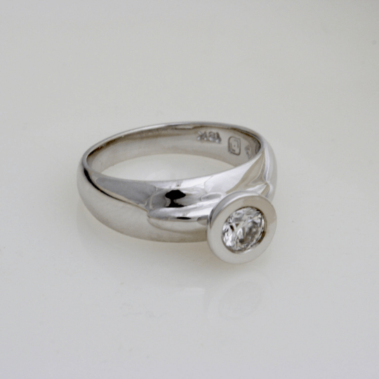 Glorious Diamond Engagement Ring 5