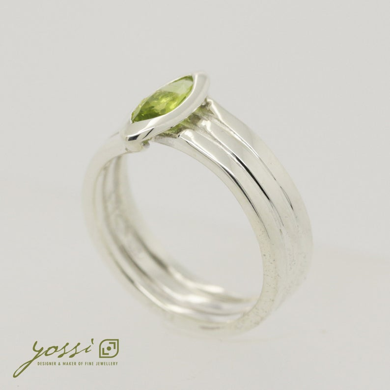 Marquis Cut Peridot & Sterling Silver Ring 4