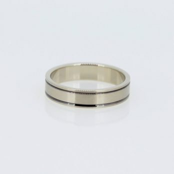 Harmonious Unisex Wedding Band