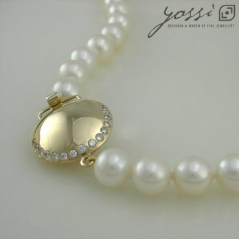 Gracefulness Pearl & Diamond Gold Necklace