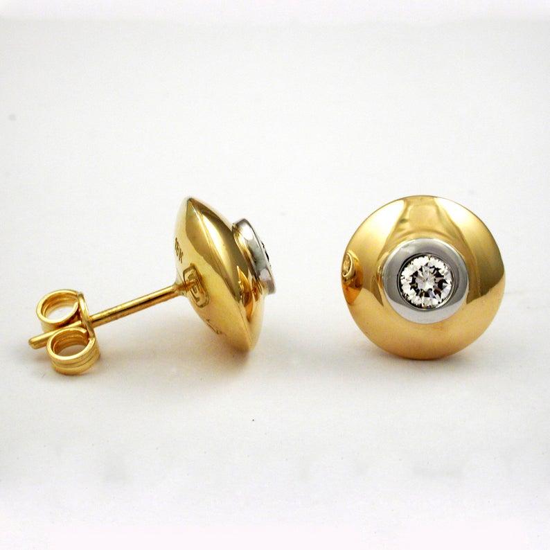 Glowing Diamond Stud Earrings 3