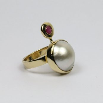 Luxury Pearl & Ruby Ring