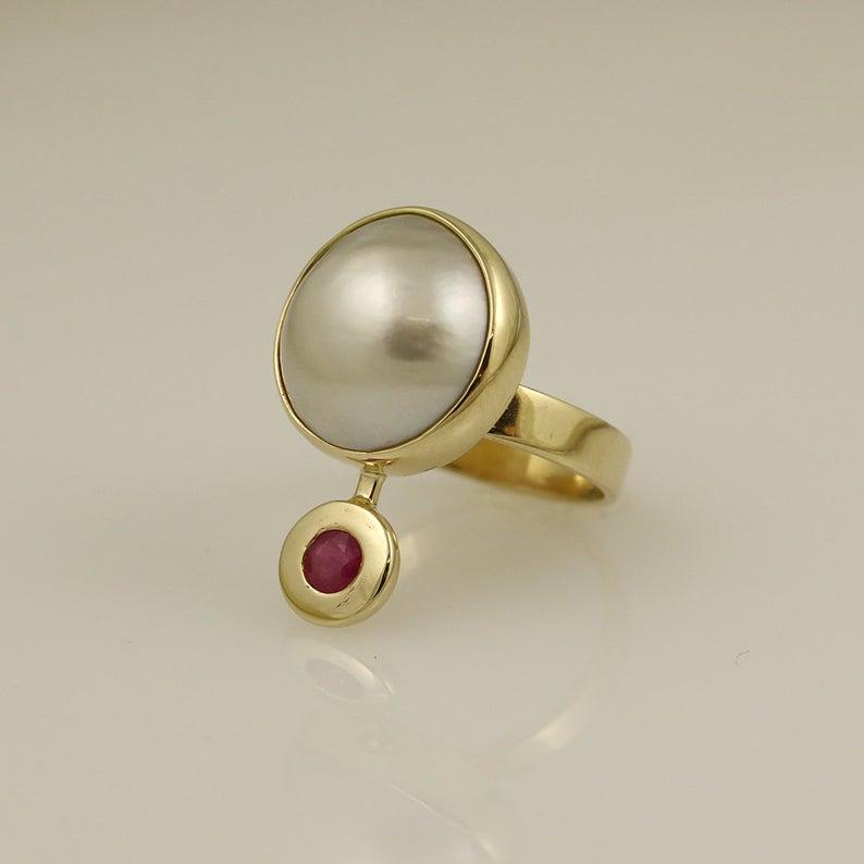Luxury Pearl & Ruby Ring 5
