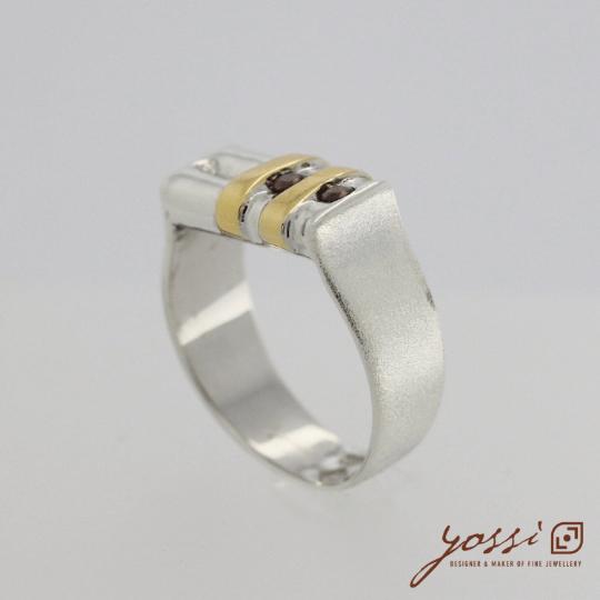 Shimmering Garnet Ring 4