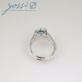 Graceful Sterling Silver Blue Topaz Ring