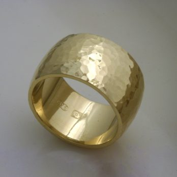 Euphoria Hammered Gold Ring
