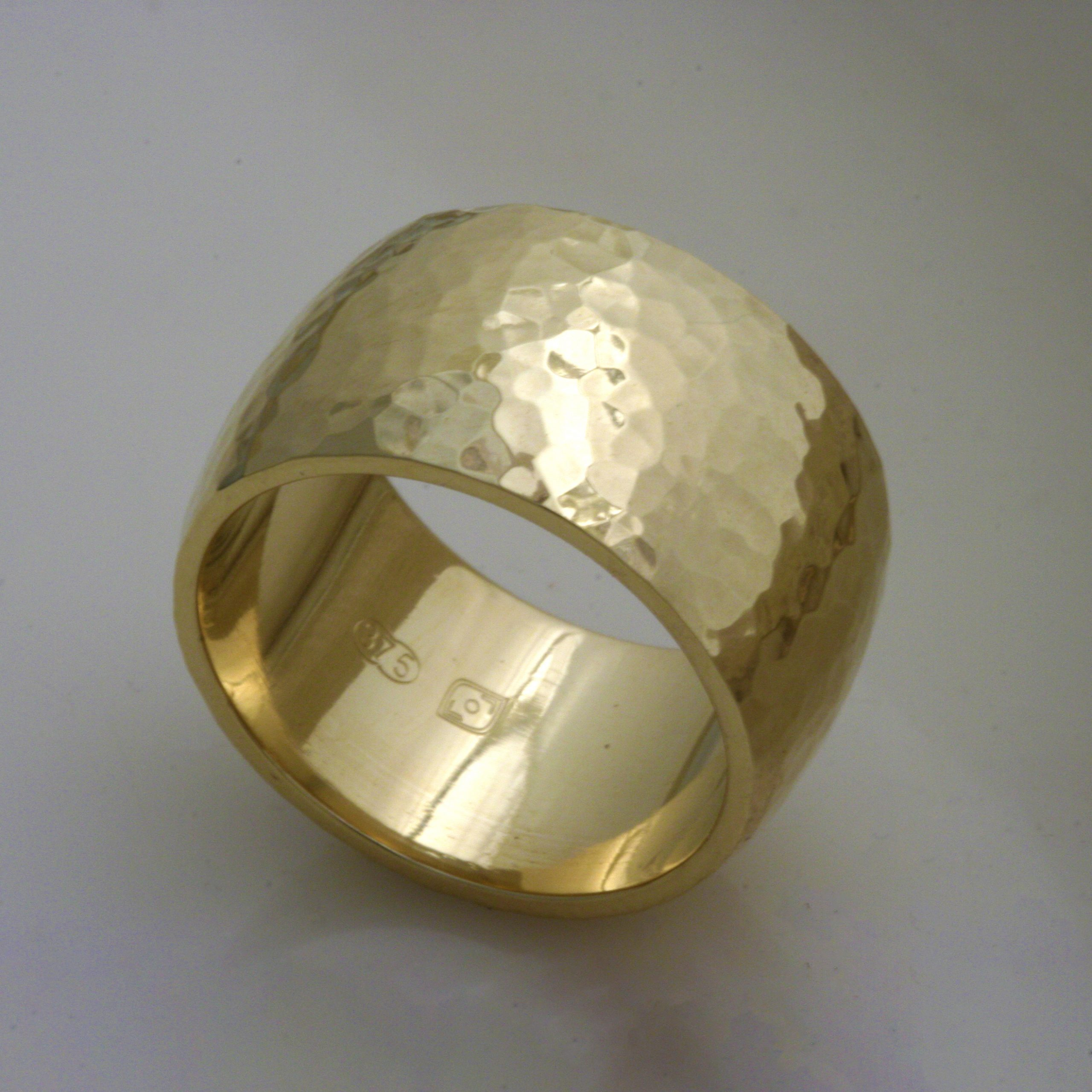 Euphoria Hammered Gold Ring 4