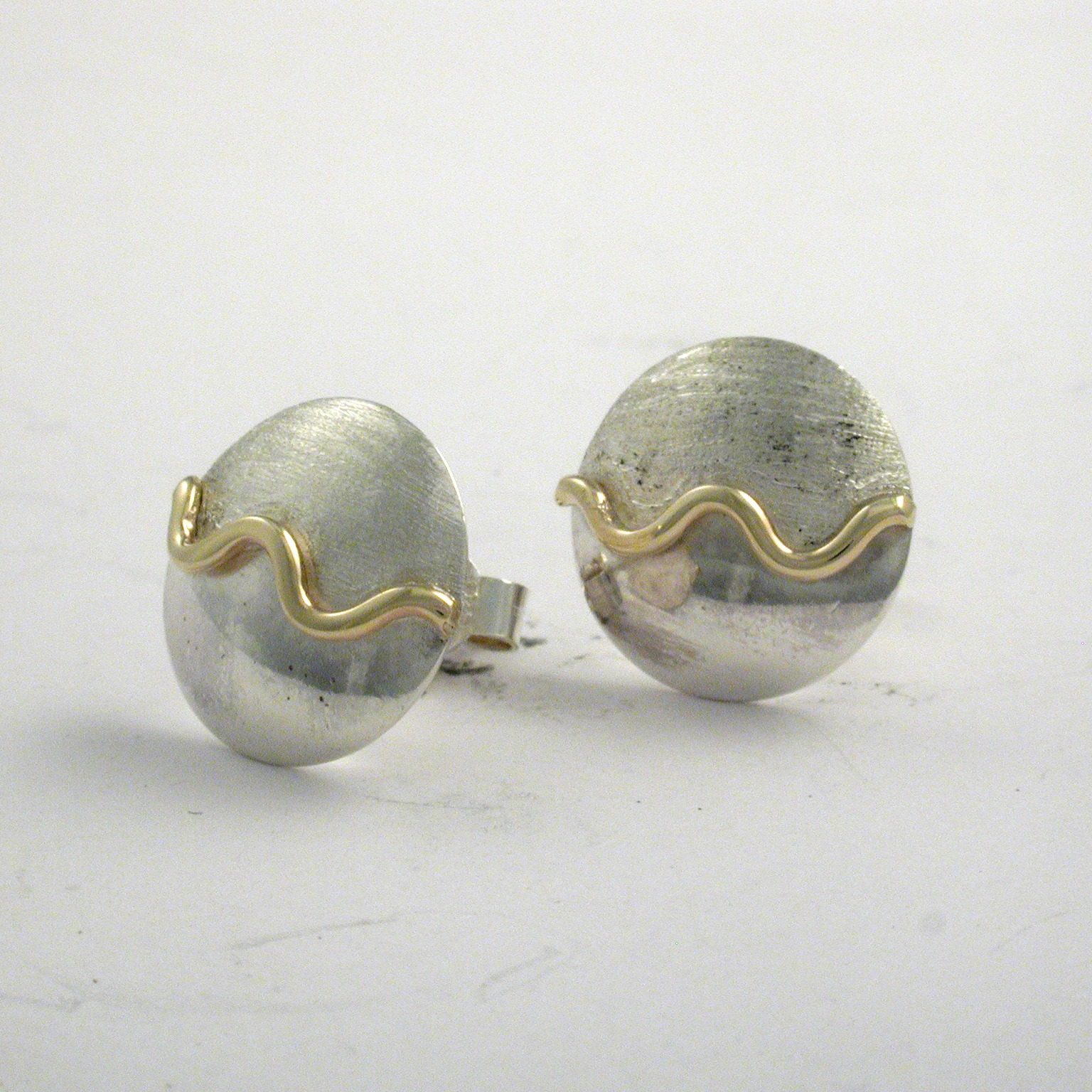 Creativity Wave Stud Earrings 4