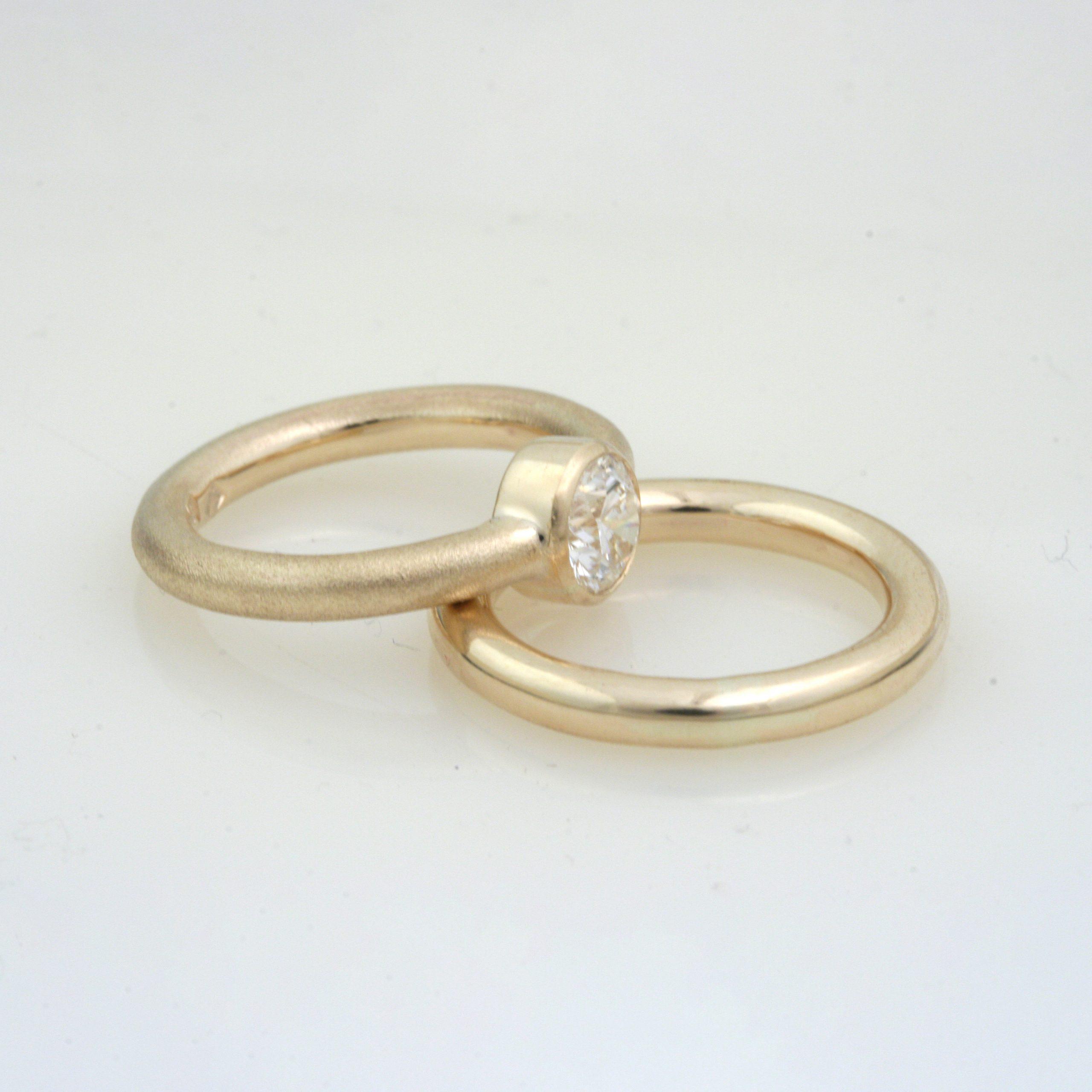Impressive Gold Natural Texture Diamond Ring 6